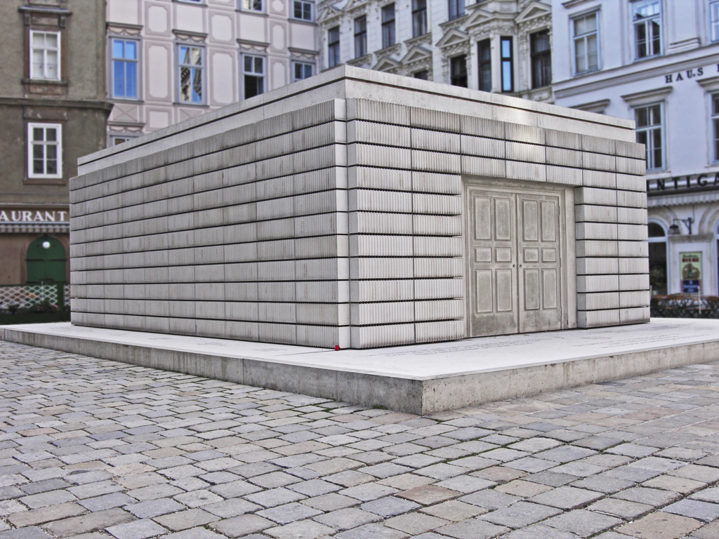 Rachel Whiteread, Vienna Holocaust Monument, 1990